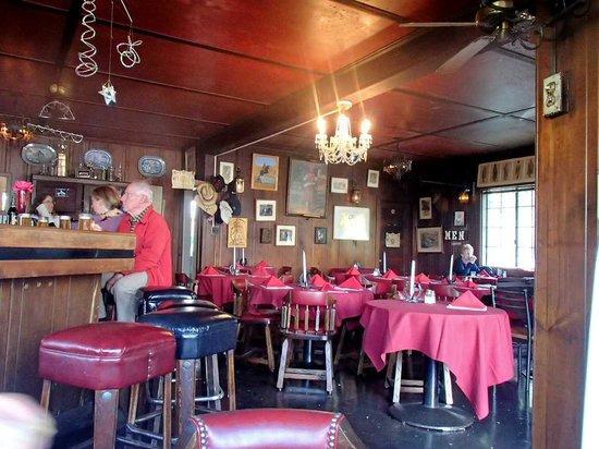 Vladimir's Czechoslovakian Restaurant: Inside