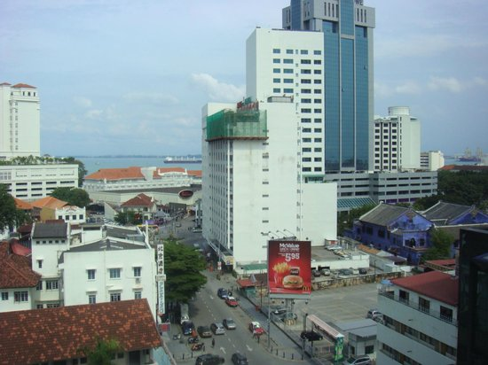 Cititel Penang: View of the ocean and part of Penang Road from corner room on upper floor