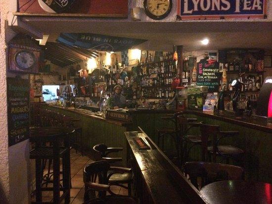 The Bailey Irish Pub : 3