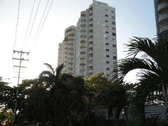 Residencias Laguna Suite II : Laguna Suite II - Fachada