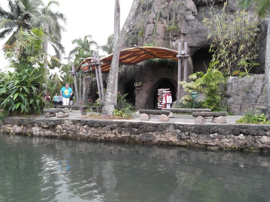 Polynesian Cultural Center : While going in the canoe ride