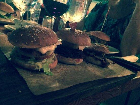 Tribeca Original: Burger slingers
