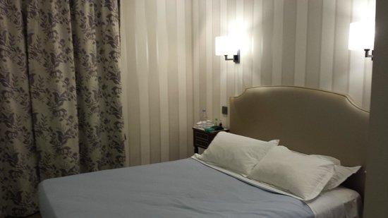 Hotel Saint Petersbourg : Quarto 320