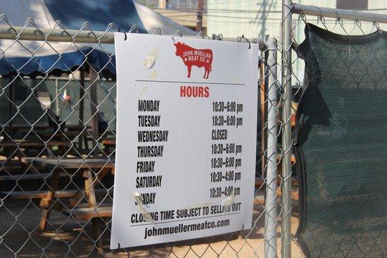 John Muellers BBQ: Hours