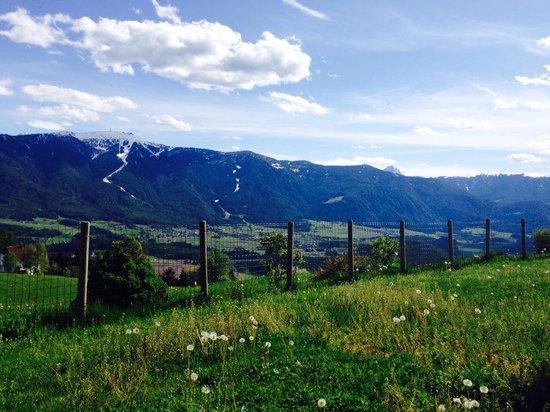 Hotel Amaten: Aprire la finestra e.... Trovarsi davanti un paesaggio magnifico!!!