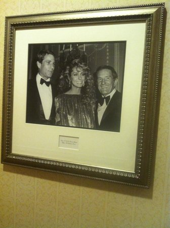 The Towers of the Waldorf Astoria: Quadro nel corridoio