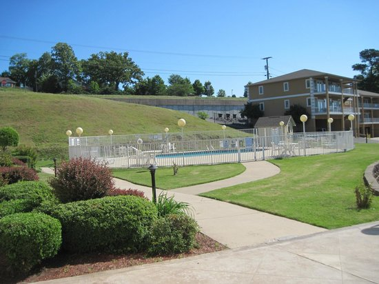 Baymont Inn & Suites Hot Springs: Pool