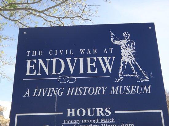 Endview Plantation: Entrance sign