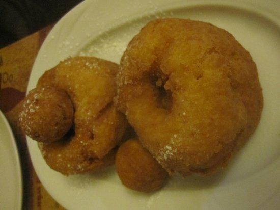La Ceaunu' Crăpat: The doughnuts!