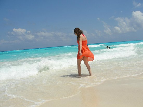 Grand Park Royal Cancun Caribe: Hermosa Playa