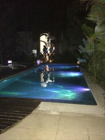 Le Cameleon Boutique Hotel : Pool by night