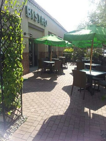 The Other Side Bistro: Patio