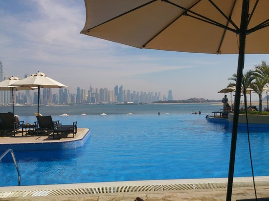 Movenpick Ibn Battuta Gate Hotel Dubai : Oceana Beach Club Swimming Pool