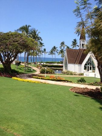 Grand Wailea - A Waldorf Astoria Resort: church on grounds