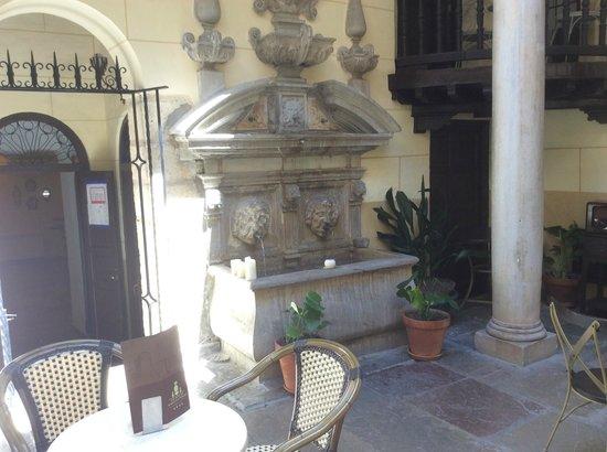 Palacio de Mariana Pineda: cortile interno