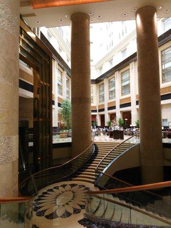 The Fullerton Hotel Singapore: ロビー