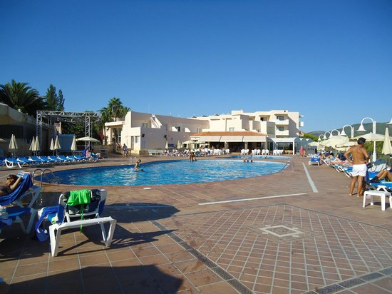 Invisa Hotel Club Cala Verde : Pileta y zona recreativa