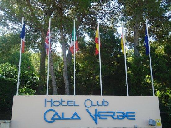 Invisa Hotel Club Cala Verde : Entrada al hotel