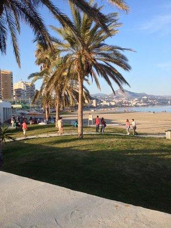 Salles Hotel Malaga Centro : Malaga beach