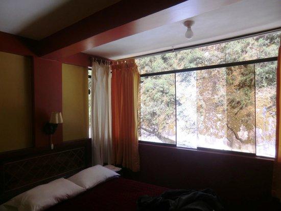 Adelas's Hostel: Quarto com vista para o rio