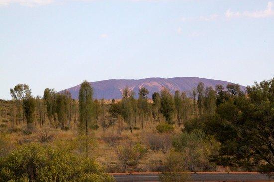 Desert Gardens Hotel, Ayers Rock Resort: Udsigt Til Uluru Fra Desert  Gardens Hotel