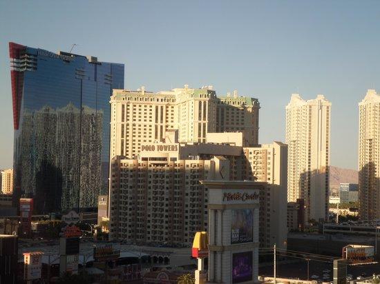 Monte Carlo Resort & Casino : room view floor 13