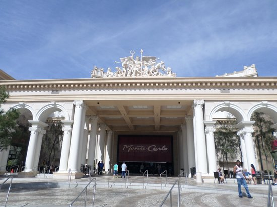 Monte Carlo Resort & Casino : Casino front