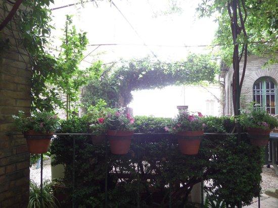Hotel Umbra: patio