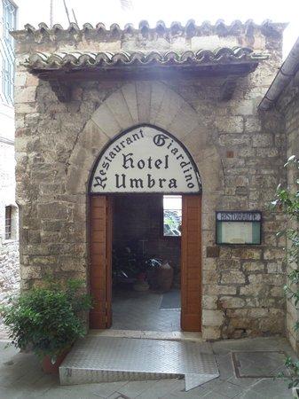 Hotel Umbra: Front door