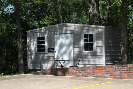 Maple Terrace Inn: Bike Storage Shed