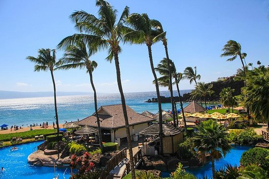 Sheraton Maui Resort & Spa : I love this beach bar! does fantastic grilling too!