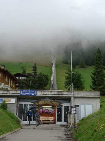 Eiger Guesthouse: Riding up the Funicular