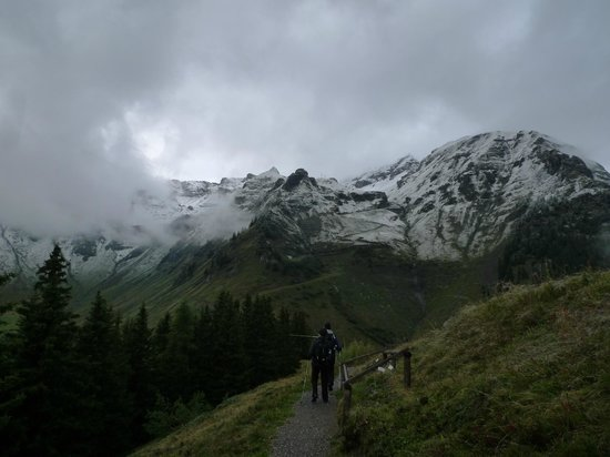 Eiger Guesthouse: hiking