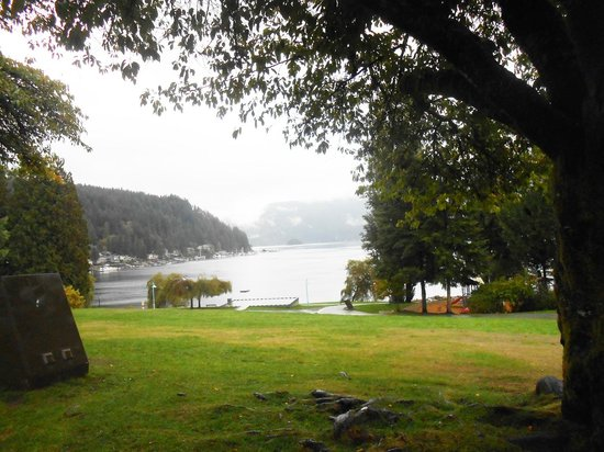 Deep Cove : View from the Park