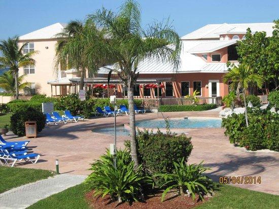 Island Seas Resort: Pool Area