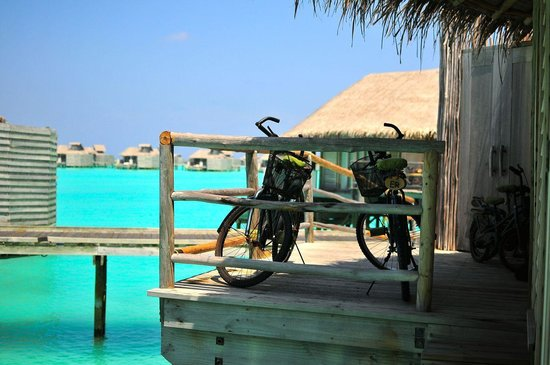 Six Senses Laamu : Bikes by front porch