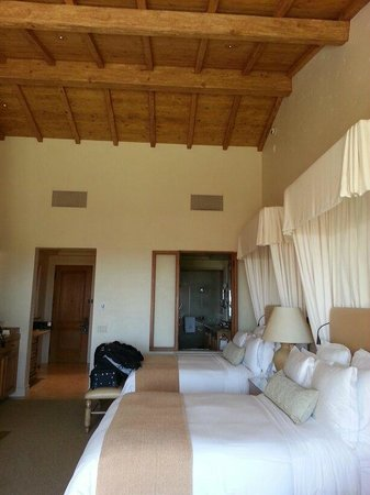 The Resort at Pelican Hill: bedroom