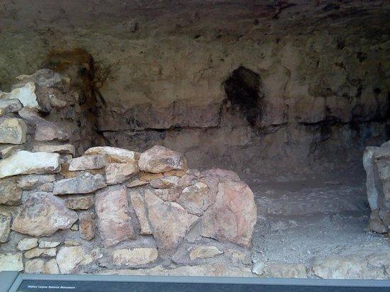 Walnut Canyon National Monument : pueblo