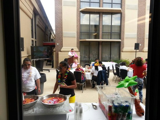 Crowne Plaza Hotel New Orleans Airport: Employee Luau!
