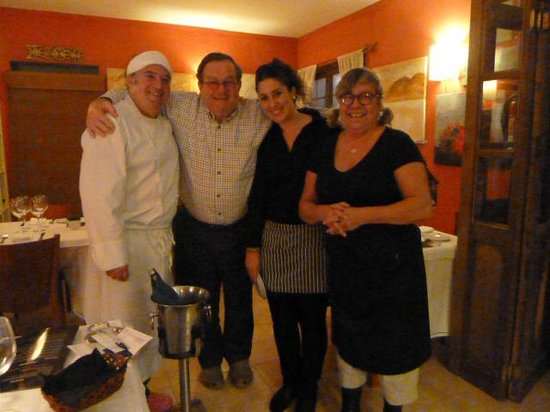 EL LATERAL: The Chef and his wife, Lola