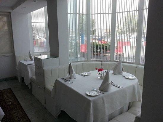 Kurkum : a nice   corner  of  restaurant