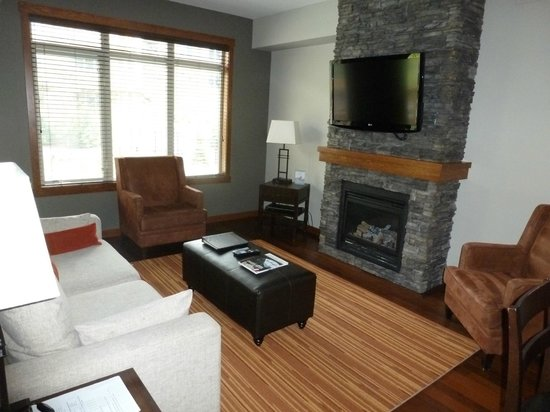 Stoneridge Mountain Resort by CLIQUE: Living area