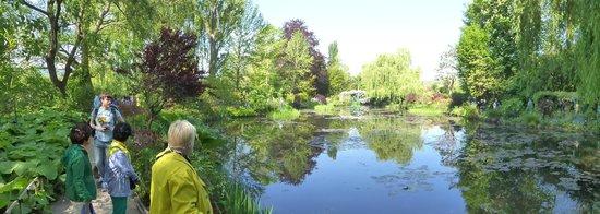 Maison et jardins de Claude Monet : Monet's lilly pond 3