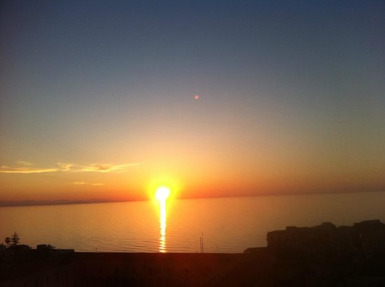 Scirocco : Sunsets /view from terrace