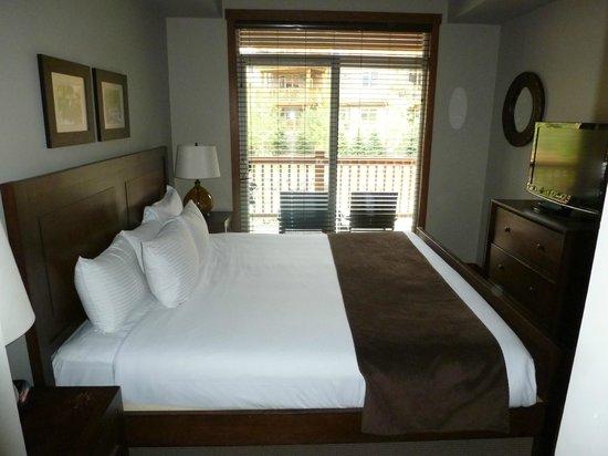 Stoneridge Mountain Resort by CLIQUE : Second bedroom