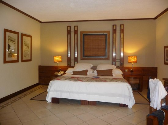 Paradis Beachcomber Golf Resort & Spa: room