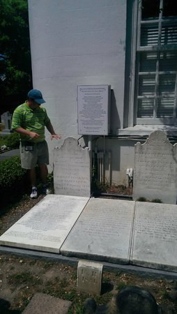 Charleston Sole Walking Tours : Brian talking about Tombstones at St. Michael's Church