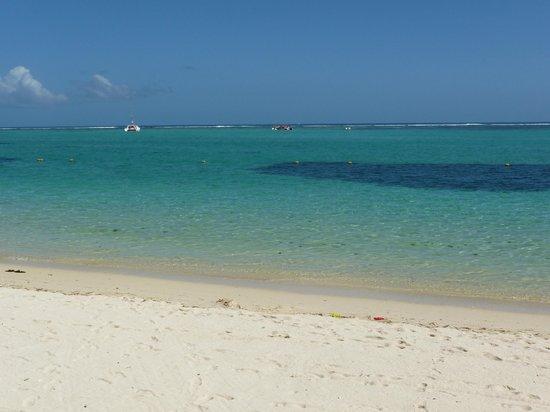 Paradis Beachcomber Golf Resort & Spa : sea