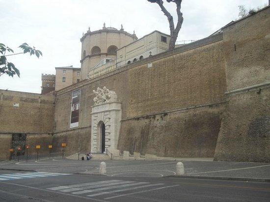 Hotel Alimandi Vaticano: musei vaticani di fronte