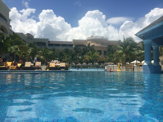 Iberostar Grand Hotel Rose Hall: From pool towards rooms